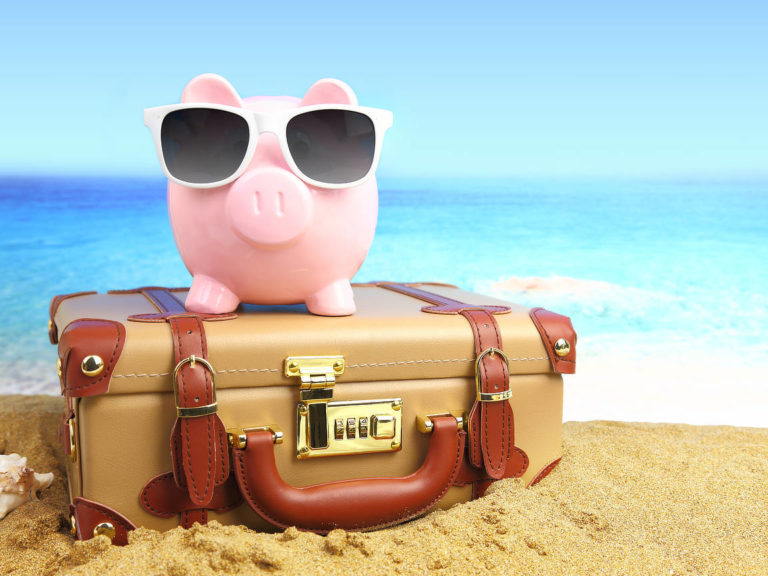 Günstig Reisen: 20 effektive Tipps, mit denen du auf Reisen Geld sparst