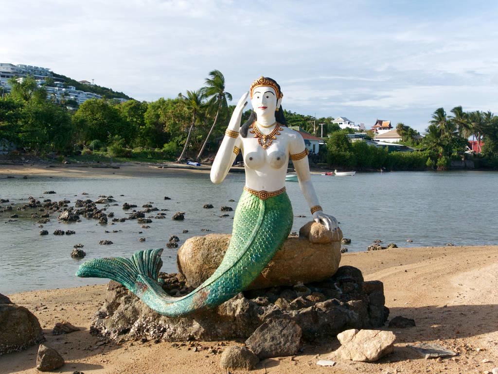 Meerjungfrau-Statue-Big-Buddha-Tempel