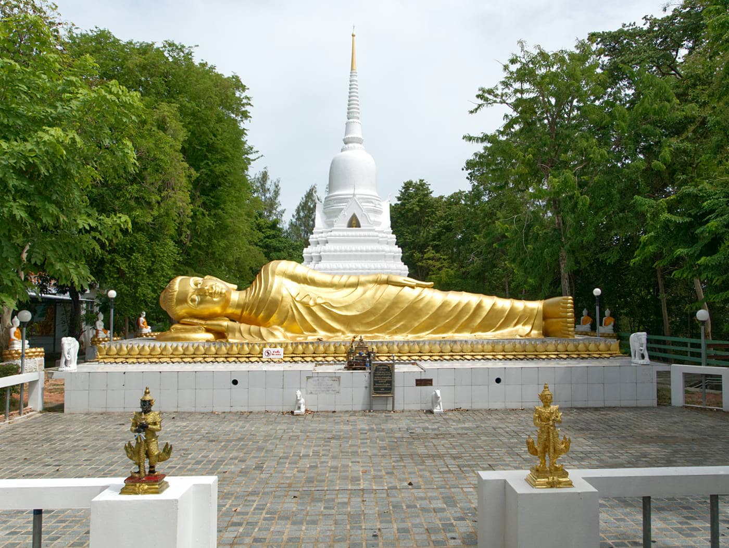 Wat-Khao-Chedi-Tempel-Koh-Samui