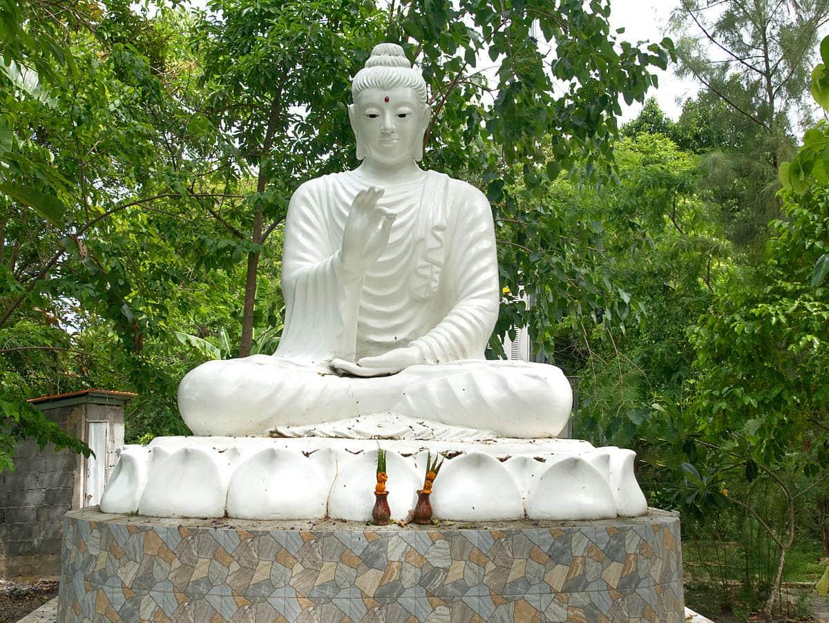 Wat-Khao-Chedi-Tempel-Thailand-Statue