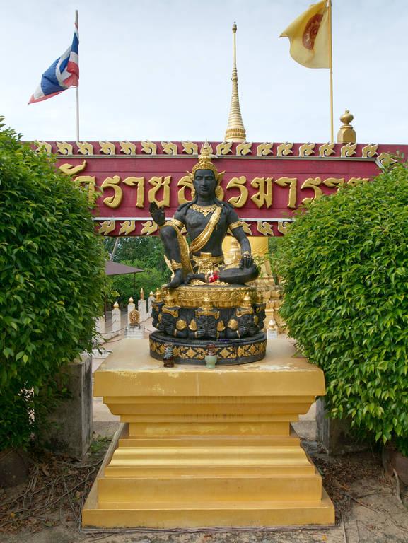 Wat-Ratchathammaram-Tempel-Statue