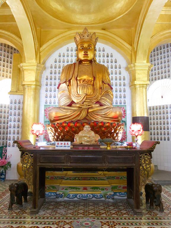 Kek-Lok-Si-Tempel-goldene-Statue