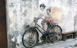 Street-Art-Tour-George-Town-Kinder-auf-Fahrrad