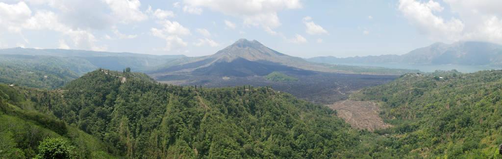 Mount-Agung-Batur-Panorama