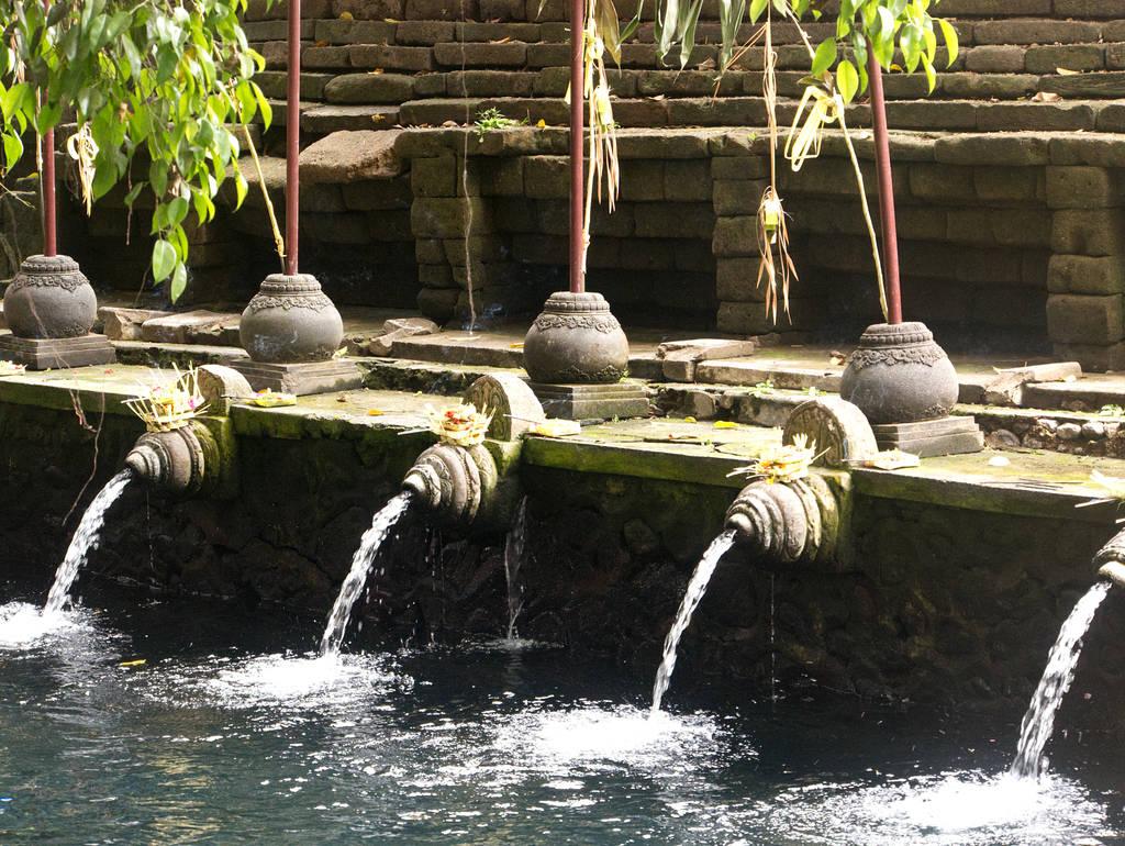Pura-Tirta-Empul-Tempel-Bali-Heilige-Quelle