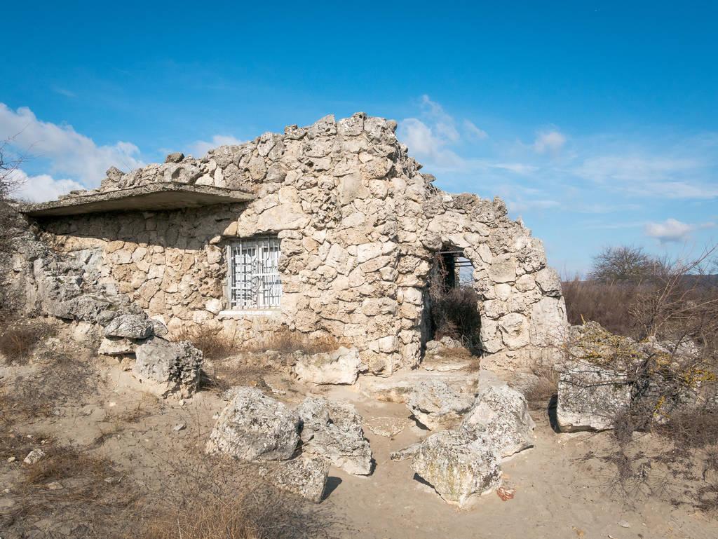Pobiti Kamani - Eingangsbereich