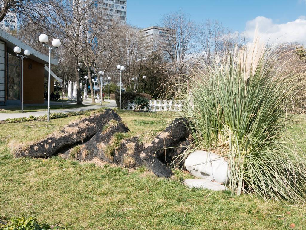 Burgas Meeresgarten Statue