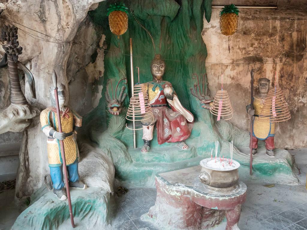 Ling Sen Tong Tempel Statuen
