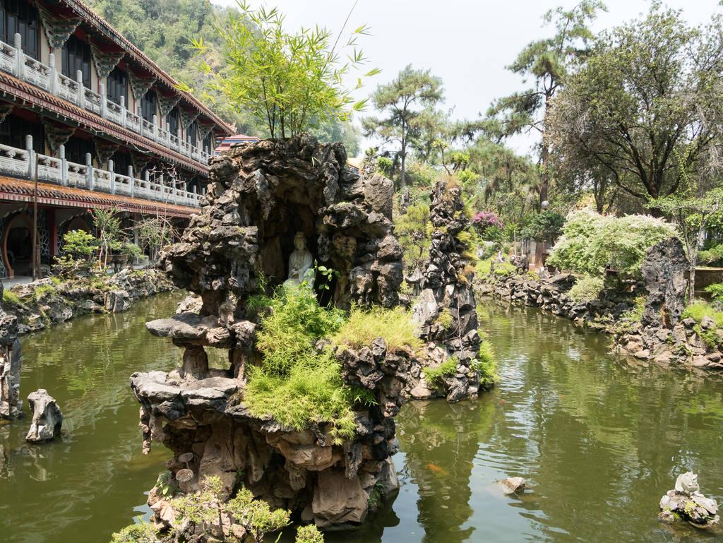 Sam Poh Tong Tempel Teich