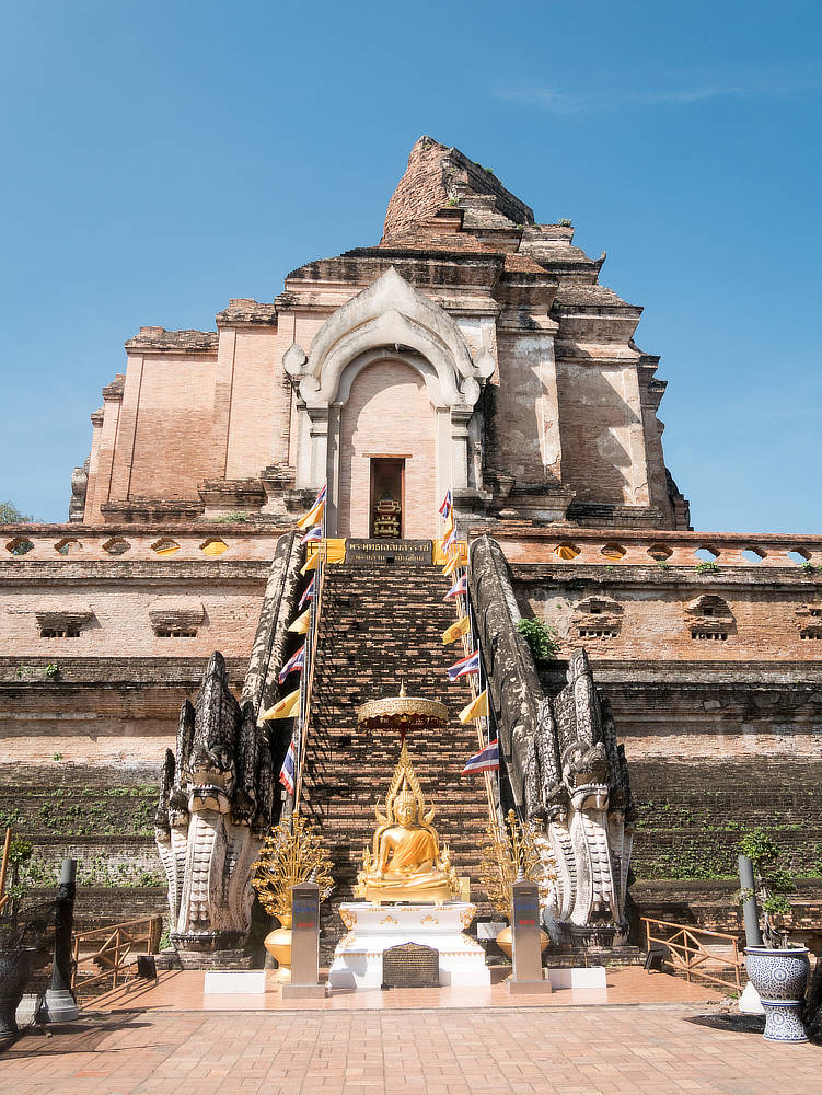 Wat Chedi Luang Tempel Chedi Ostseite