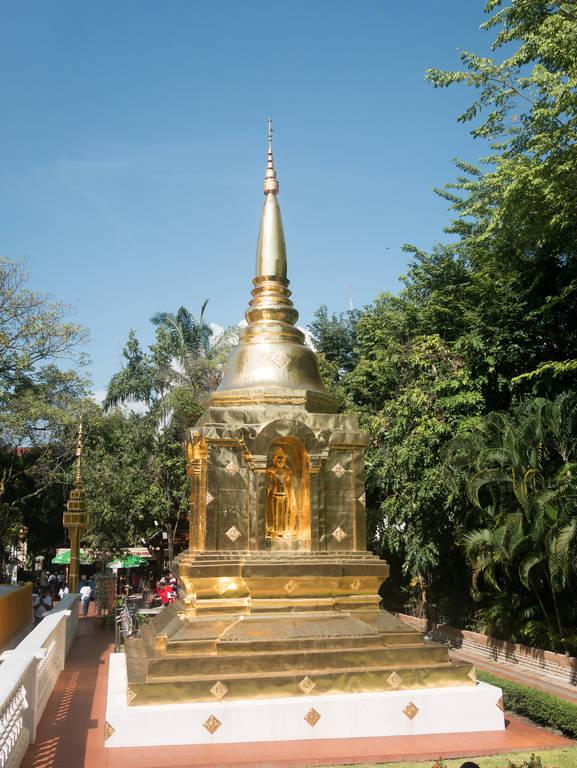 Wat Phra Singh - kleinere Chedi