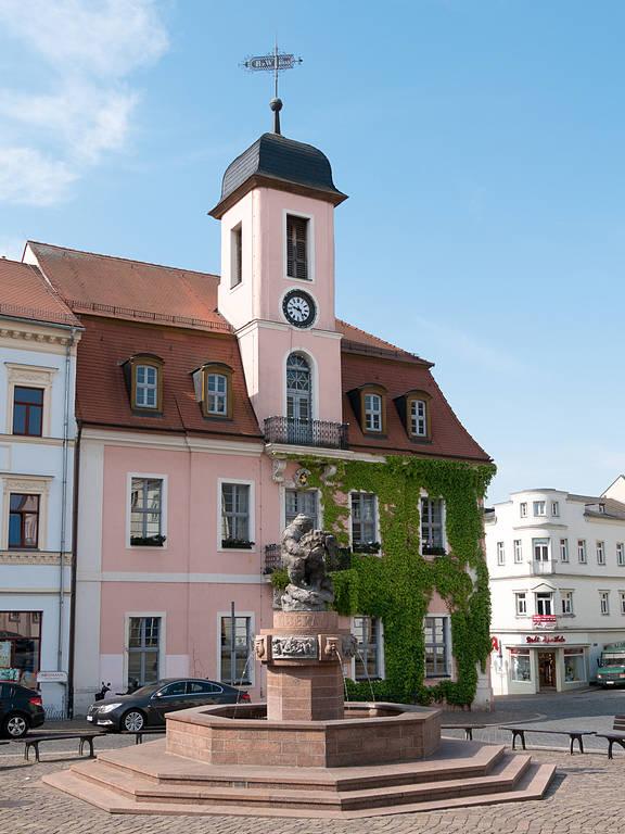 Marktplatz Wurzen mit Ringelnatzbrunnen