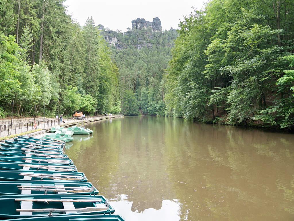Amselsee mit Booten im Amselgrund