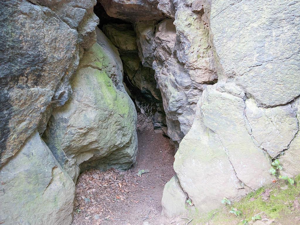 Bärenhöhle Naturlehrpfad Schweizerthal