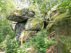 Hockstein auf Naturlehrpfad Markersdorf